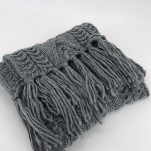 MAURICES GRAY CHUNKY CABLE KNIT WINTER SCARF